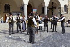 Band der Schweizer Musiker, die in den Zermatt Straßen spielen Lizenzfreies Stockbild