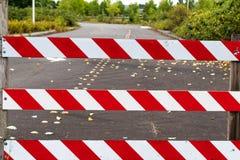 Band för tecken för barrikad för vägkvarter royaltyfri foto