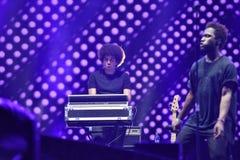 Band führt Live auf dem Stadium durch Stockfotos