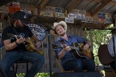Band speelcountry muziek in Luckenbach, Texas Royalty-vrije Stock Foto's