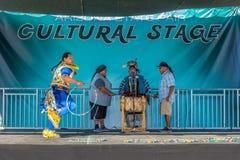 Band-Tänzer des amerikanischen Ureinwohners lizenzfreies stockbild