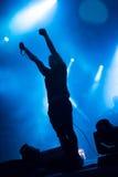 Banda adolescente del alboroto de Atari que realiza un concierto de rock Fotografía de archivo libre de regalías