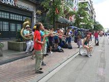 Banda che fa musica rumorosa Immagini Stock Libere da Diritti
