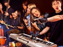 Banda che gioca strumento musicale Fotografie Stock Libere da Diritti
