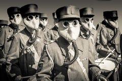 Banda da guerra mundial 2 com máscaras de gás Imagem de Stock