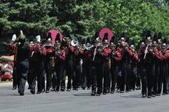 Banda da High School de Dôvar-Eyota na parada imagens de stock