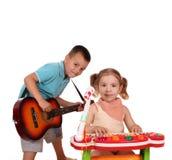 Banda de rock del muchacho y de la muchacha imágenes de archivo libres de regalías