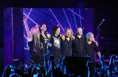 Banda finlandesa de Nightwish en etapa Imagenes de archivo