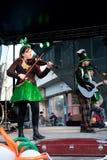 Banda irlandesa en etapa Foto de archivo