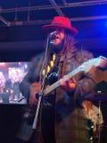 Banda Keith Batlin Jams de la dirección en etapa en el café de BODA Foto de archivo