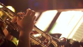 Banda musicale di musica della tromba video d archivio
