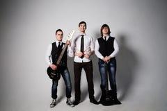 Banda rock che esegue in uno studio Immagini Stock Libere da Diritti