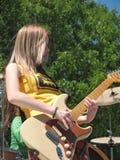 Banda rock delle ragazze sulla fase Immagine Stock