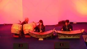 Banda tailandese degli studenti che gioca manifestazione tailandese tradizionale di concerto degli strumenti musicali archivi video