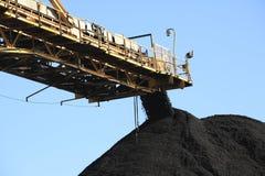 Banda transportadora de carbón Foto de archivo libre de regalías