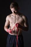 Bandages barbus d'homme et de boxe de combattant photo libre de droits