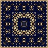 Bandana con il modello dell'oro su un fondo blu Fotografie Stock