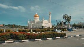 Bandar Seri Begawan,Brunei Darussalam-MARCH 31,2017: Sultan Omar Ali Saifuddin Mosque stock footage