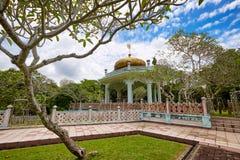 Bandar Seri Begawan, Brunei Darussalam-MARS 31,2017: Mausoleum av Sultan Bolkiah på Kampung Kota Batu Fotografering för Bildbyråer