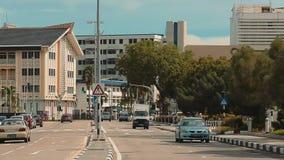 Bandar Seri Begawan, Brunei Darussalam-MARZO 31,2017: La strada nel centro della capitale stock footage