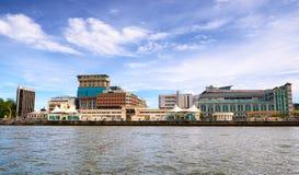 Bandar Seri Begawan, Brunei Darussalam-MARZO 31,2017: Opinión sobre la ciudad del río foto de archivo libre de regalías