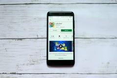 BANDAR SERI BEGAWAN, BRUNEI - 21 JANVIER 2019 : Application de Ludo King sur un Google Play Store androïde photographie stock libre de droits