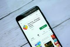 BANDAR SERI BEGAWAN, BRUNEI - 21 JANVIER 2019 : Application de Sharechat sur un Google Play Store androïde image stock
