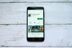 BANDAR SERI BEGAWAN, BRUNEI - 21 JANVIER 2019 : Courant perturbateur : Application de légendes sur un Google Play Store androïde images libres de droits