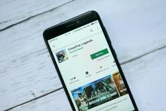 BANDAR SERI BEGAWAN, BRUNEI - 21 JANVIER 2019 : Courant perturbateur : Application de légendes sur un Google Play Store androïde photographie stock libre de droits