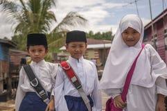BANDAR SERI BEGAWAN /BRUNEI, le 10 février 2007 - enfants dans photographie stock libre de droits