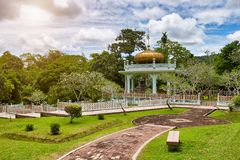 Bandar Seri Begawan, Brunei marzec 31,2017: Mauzoleum sułtan Bolkiah przy Kampung Kot Batu Zdjęcia Stock