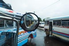Bandarawella, touristisches Herstellungsfoto Sri Lnaka am 11. April 2018 - im Bus an der Banarawella-Station Stockfoto