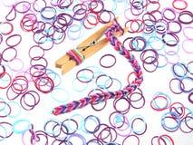 Bandas elásticas usadas para hacer la joyería Foto de archivo