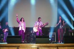 Bande chrétienne exécutant à un concert chrétien Photo stock