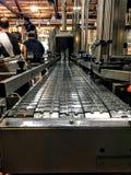 Bande de conveyeur en acier photo stock