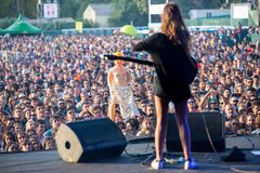 Bande de Hinds de concert au festival de Dcode Photos stock