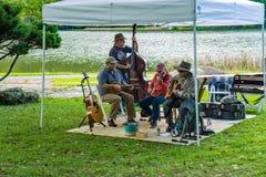 Bande de musique de montagne chez la 2èmes musique et Art Festival annuels image libre de droits
