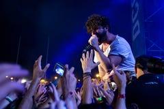 Bande de poulains de concert au festival de Dcode Photos stock