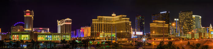 Bande de Vegas la nuit avec des casinos Photo libre de droits