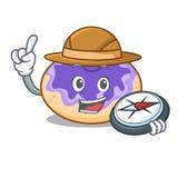 Bande dessinée de mascotte de myrtille de beignet d'explorateur illustration libre de droits