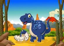 Bande dessinée mignonne drôle de dinosaure avec son bébé dans la jungle Photographie stock