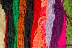 Bande luminose del colorfull del filato di lana Fotografia Stock
