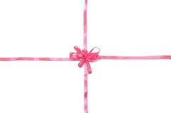 Bande rose avec la proue pour le présent Images stock