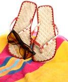 Bande, tonalità e sandali Immagini Stock Libere da Diritti