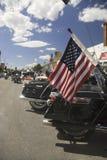 Bandeira americana na parte de trás de uma motocicleta Imagem de Stock