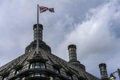 Bandeira britânica em um telhado Imagens de Stock Royalty Free