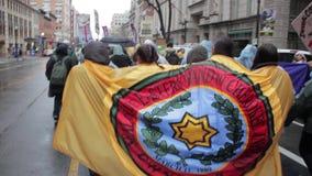 Bandeira Cherokee NoDapl no março de 1080 p filme