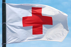 Bandeira da cruz vermelha fotografia de stock
