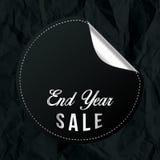 Bandeira da venda do ano do fim de Chrome com papel amarrotado preto Imagem de Stock Royalty Free