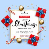 Bandeira da venda do Feliz Natal com as caixas de presente com curva azul, doces Fotografia de Stock Royalty Free